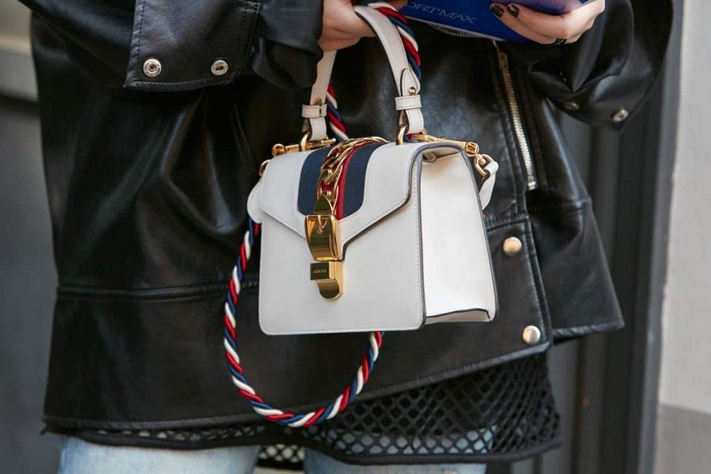 Gucci กระเป๋าแบรนด์เนมยอดนิยมที่ทุกคนต้องมี